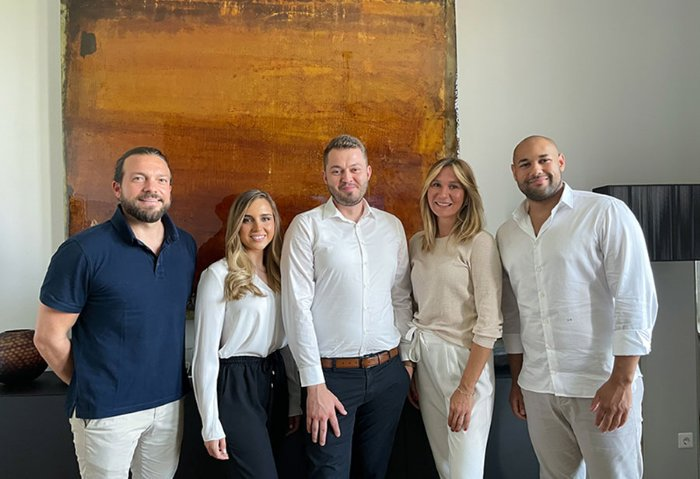 Ausbildungsstart Alpha Real Estate Group Victoria und Anton starten voll motiviert ihre Ausbildung zur Immobilienkauffrau bzw. zum Immobilienkaufmann